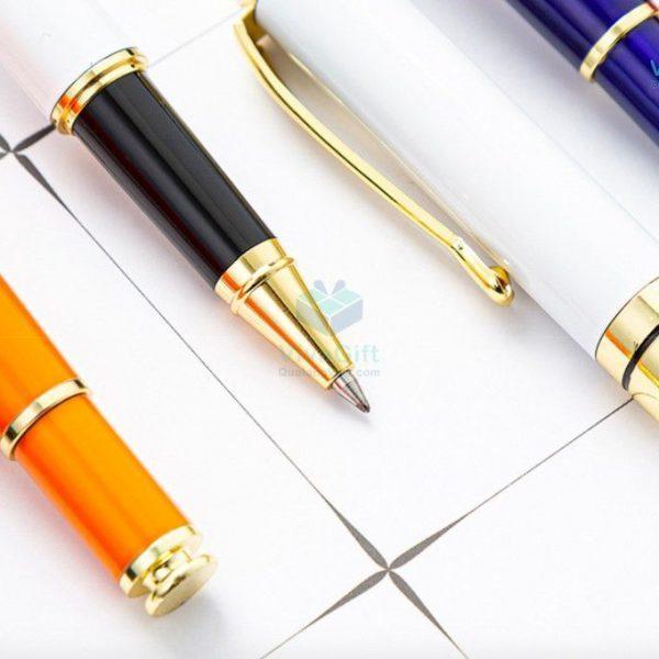 Bút kim loại khắc tên V010