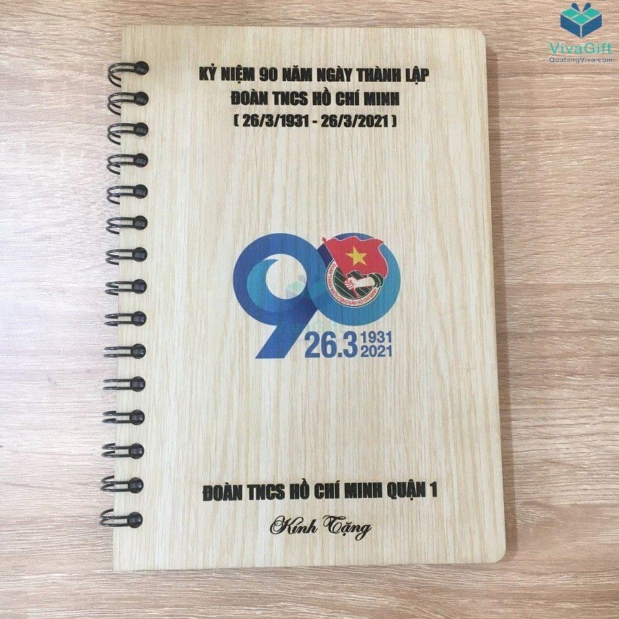 sổ tay bìa gỗ in tên làm quà tặng