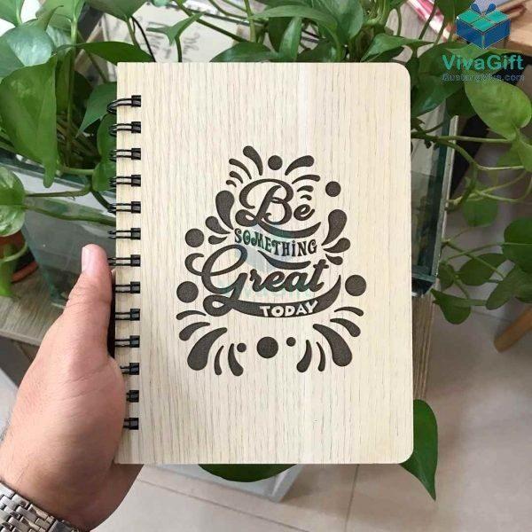 Sổ tay bìa gỗ khắc tên, logo theo yêu cầu