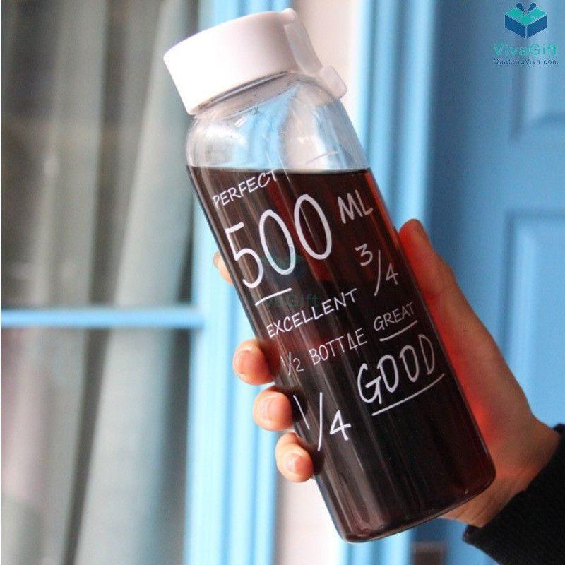 Bình nước nhựa 500ml có quai Q011 khắc tên làm quà tặng